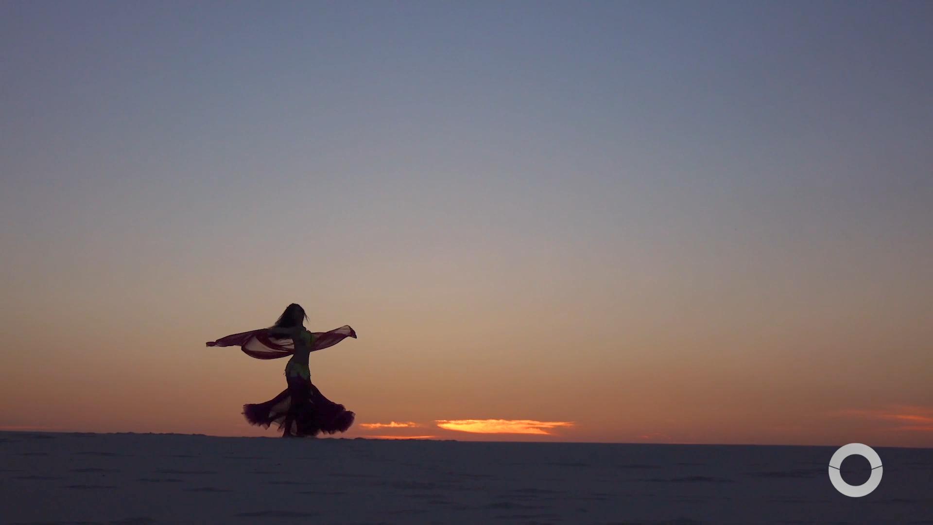 Costume Saudável – Joana Ramalho experimenta uma aula de dança do ventre
