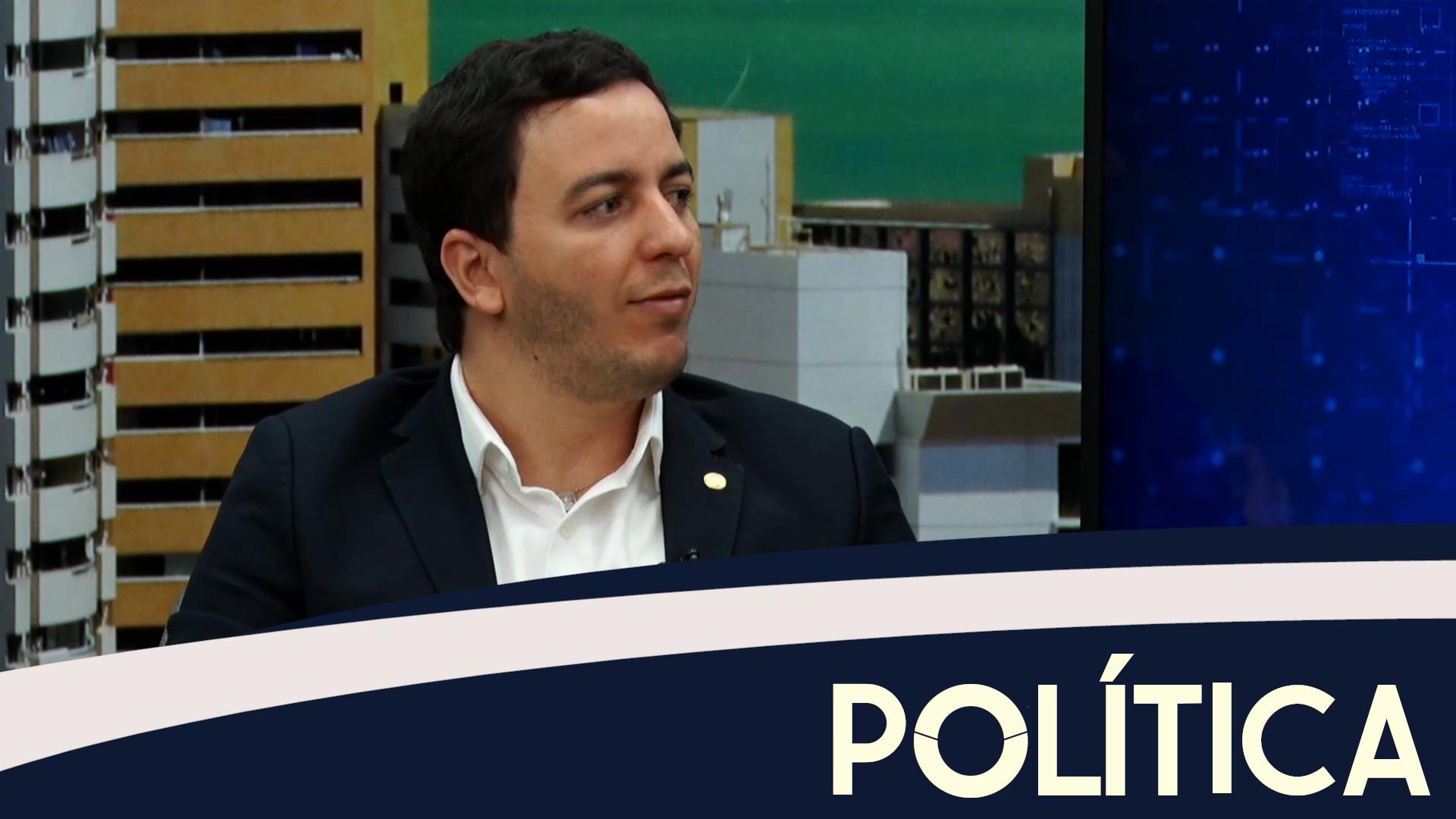 Política entrevista Célio Sturdart, Deputado Federal PV-CE