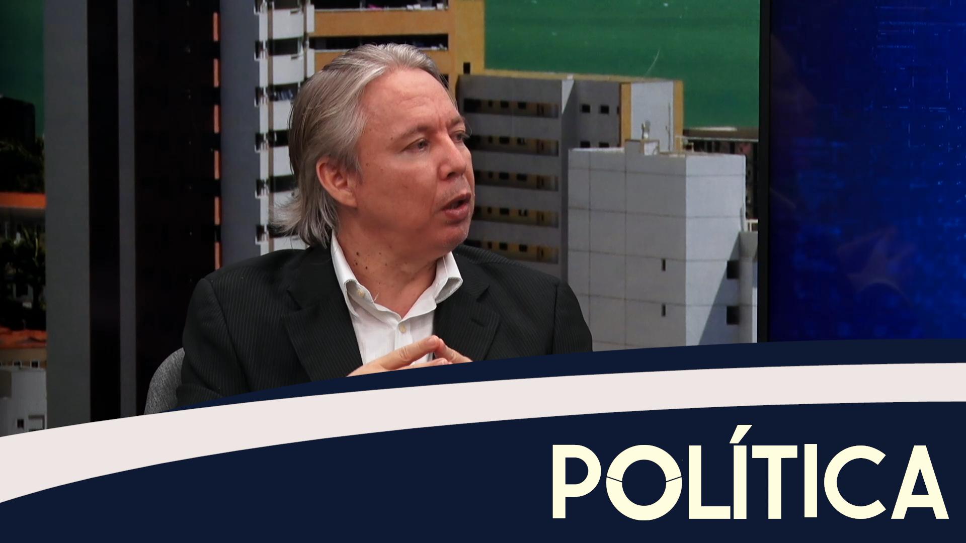 Política entrevista consultor político, Luiz Cláudio